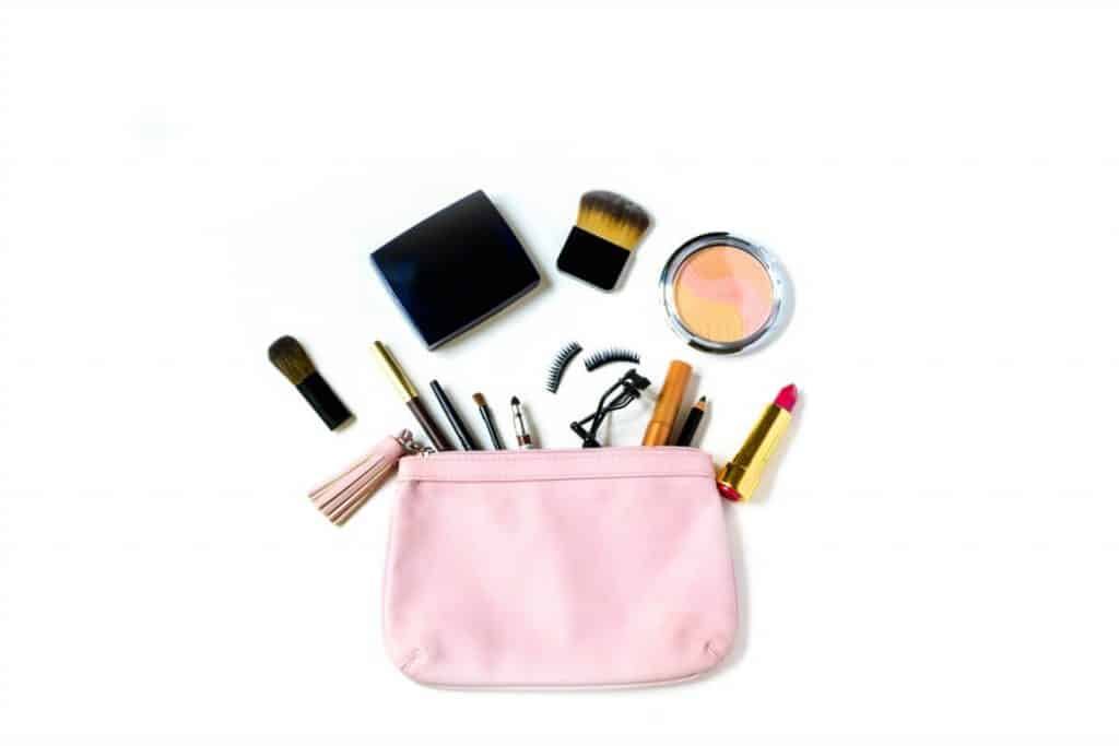 Small pink make up bag to carry in your purse